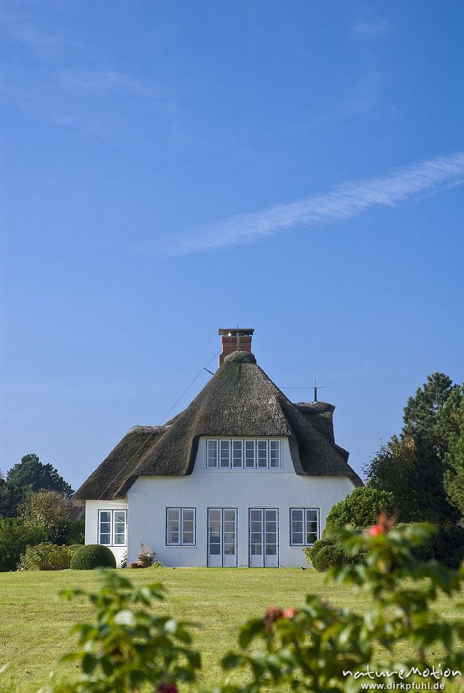 ferienhaus mit reetdach nebel amrum deutschland naturemotion fotografie fotoworkshops. Black Bedroom Furniture Sets. Home Design Ideas