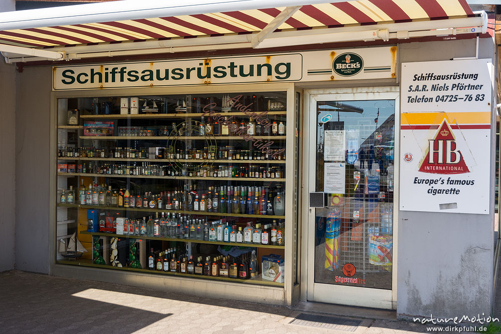 Laden f r schiffsausr stung regal mit spirituosen whisky for Pflanzen laden berlin
