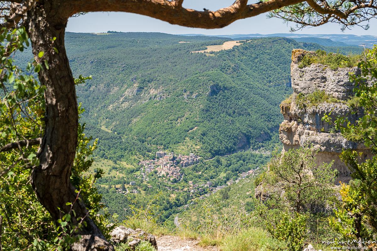 Blick auf Peyreleau, Felsformationen, Tal der Jonte, Felswanderung Schluchtenwelt bei le Rozier, Gorges de la Jonte, Le Rozier, Frankreich
