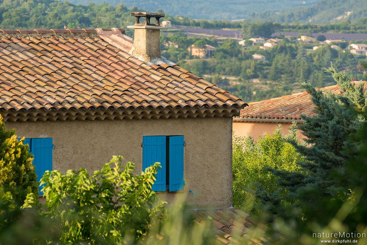 Haus mit geschlossenen Fensterläden, Apt - Provence, Frankreich