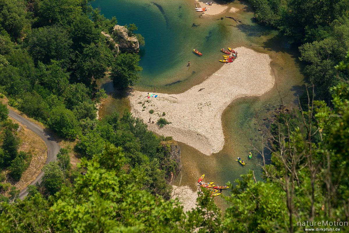 Kayaks auf dem Tarn, Blick vom Roc de Serne, La Malene, Frankreich