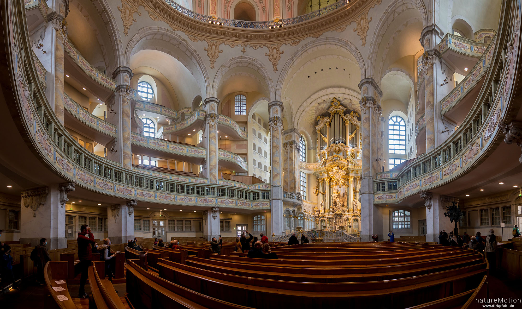 Innenraum, Altar, Orgel, Frauenkirche, Dresden, Deutschland