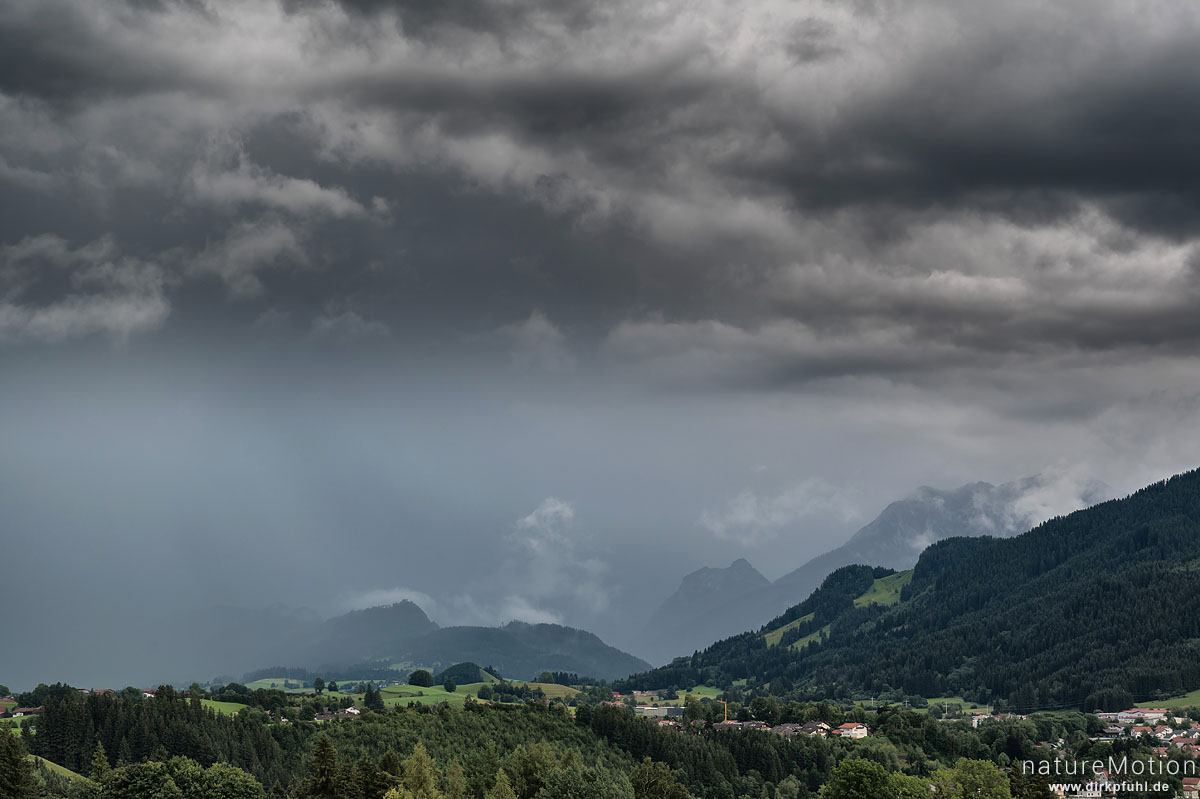 abziehendes Gewitter, Maria-Rain, Nesselwang (Allgäu), Deutschland