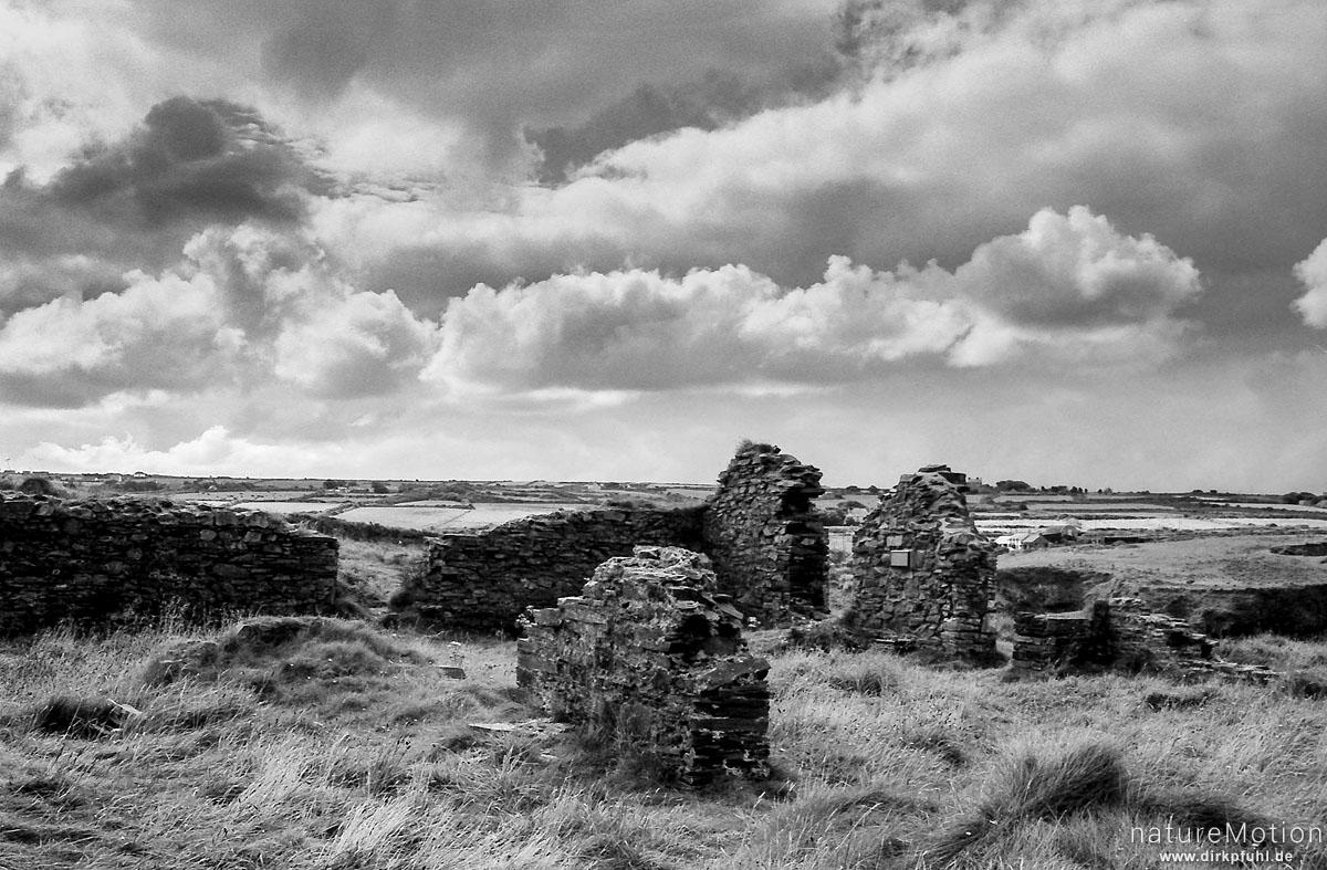 Ruine, Pembrokeshire Coastpath, Wales, England - Großbrittanien